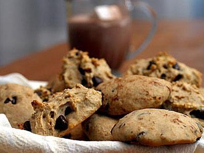 Печенье с кусочками шоколада.