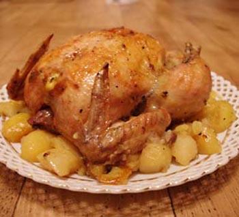 Курица запеченная с картофелем.